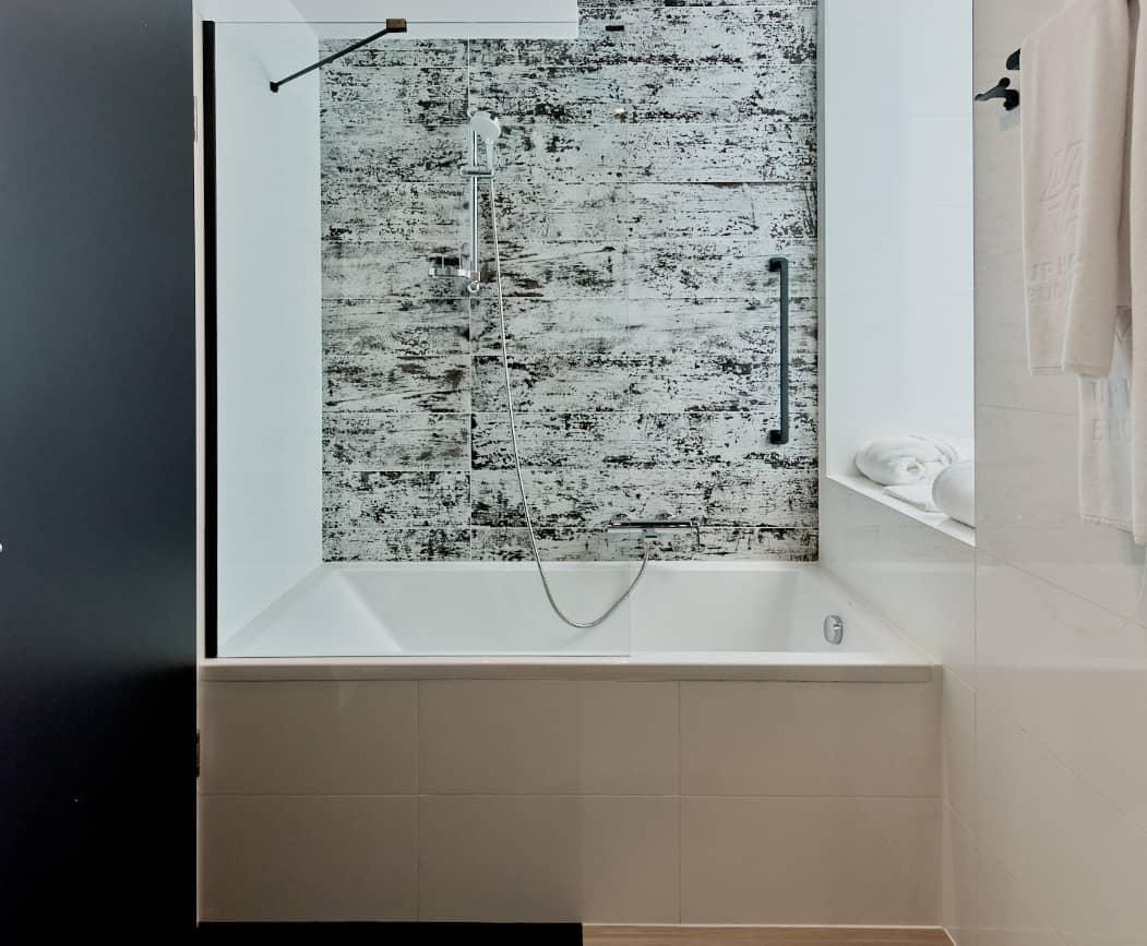 Smart double bathtub - Up Hotel Budapest